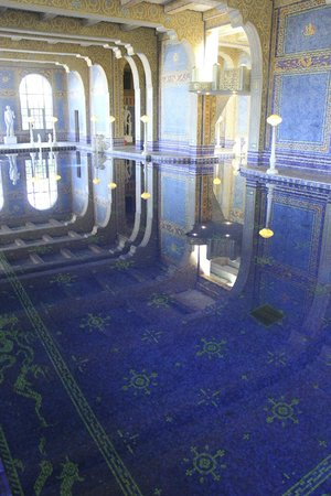 Hearst Castle: Coolest pool in the world!