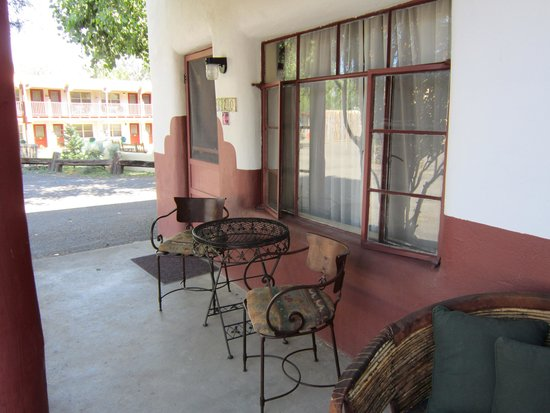 El Pueblo Lodge : our room
