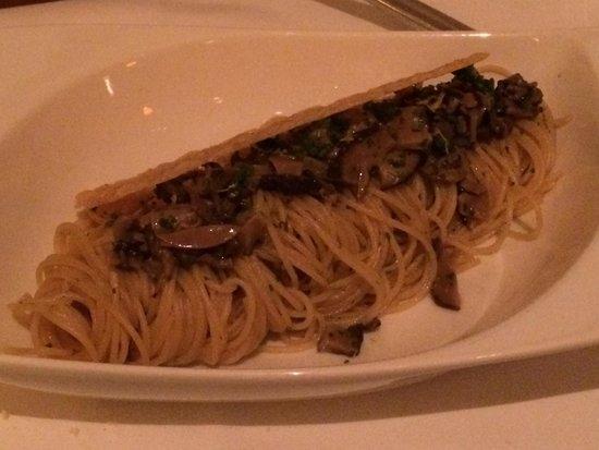 Mani: Lingüini de cogumelos