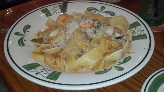 Olive Garden: Pappardelle pescatore.