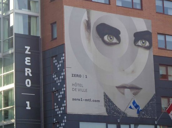 Hotel Zero 1 : View from the street