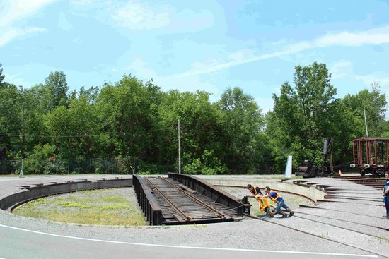 Exporail, the Canadian Railway Museum: Turntable demonstration