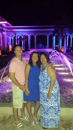 Paradisus Palma Real Golf & Spa Resort: Mom, husband and I by the fountain