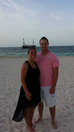 Paradisus Palma Real Golf & Spa Resort: Before our family dinner at the beach