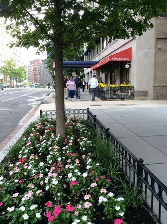 Club Quarters Hotel in Washington, D.C. : Street view
