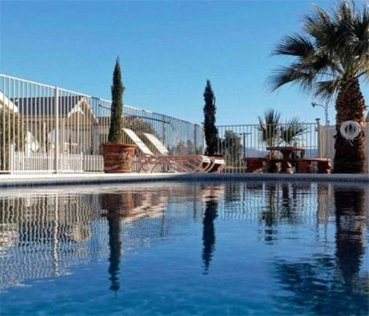 Blue Sky Resort: Come Relax and Enjoy at Our Pool!