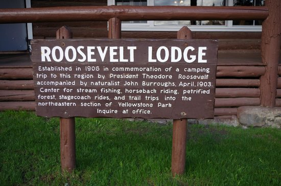 Roosevelt Lodge Cabins: Neat sign describing the Lodge!