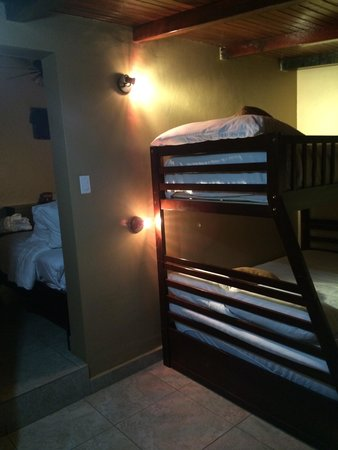 Crater Valley : Kids beds in family suite