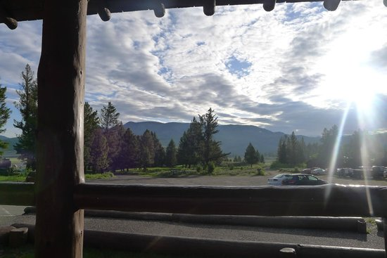 Roosevelt Lodge Cabins : Another porch view. Sunrise.