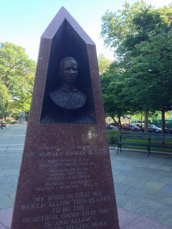 Brooklyn Museum: Statute of Physicist / astronaut Dr. Ronald McNair (died on Challenger)