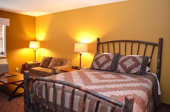 Reid Ridge Lodge: Queen Junior Suite