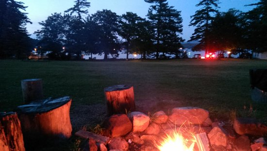 Anchorage at the Lake: enjoying the fireworks and stocked camp fire