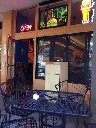 Sancho's Taqueria : Watch soccer from the patio