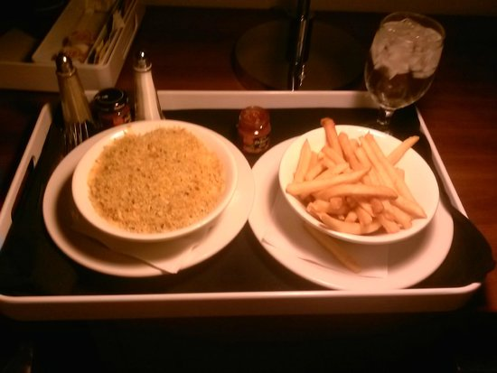 Four Points by Sheraton Los Angeles International Airport : Room service. Mac & cheese with a side of Fries. Just what we needed.