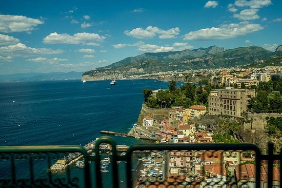 Il Nido Hotel Sorrento : view of Sorrento from our balcony