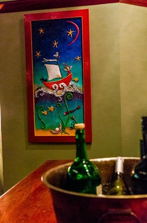 McKelvie's Delishes Fishes Dishes: Great colourful decor all around the restaurant