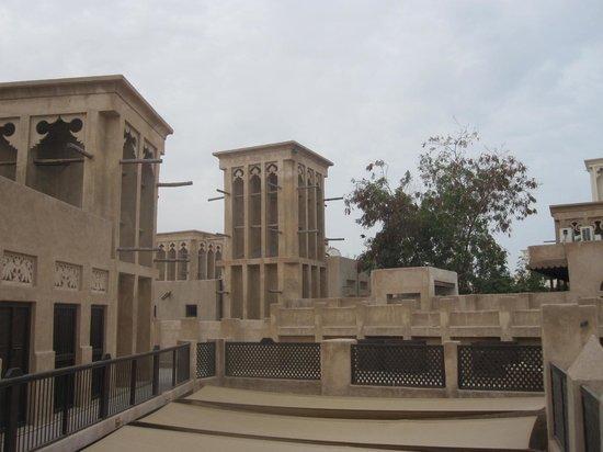 Bastakia Quarter : Terrasse sur le toit et tours à vent