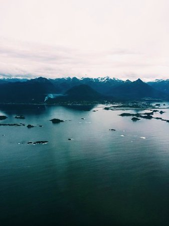 Laughing Raven Lodge, LLC: Beautiful Alaska as seen from the float plane