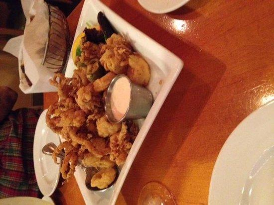 Siena Restaurant Mashpee Commons: calamari
