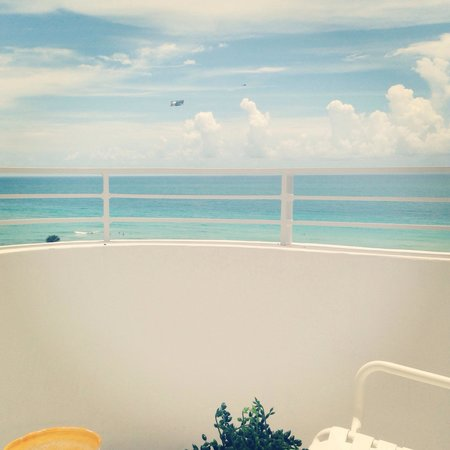 COMO Metropolitan Miami Beach: View from balcony in COMO spa