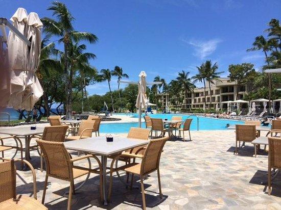 Hapuna Beach Prince Hotel: Poolside dining