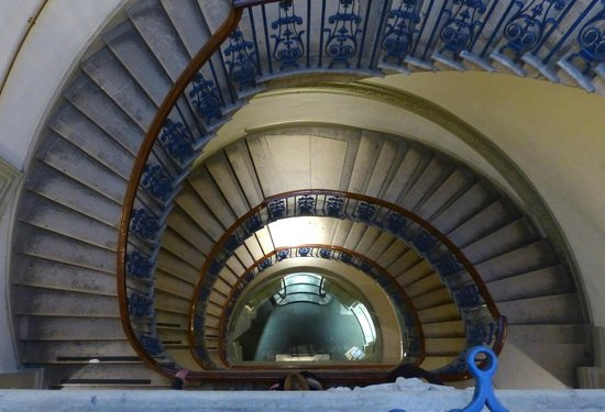 Strand: Courtauld Gallery - stairwell