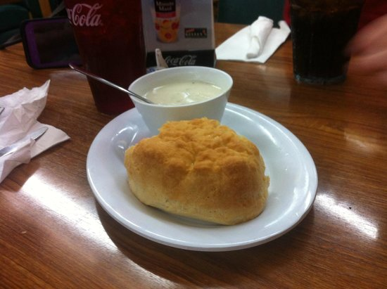 Kelley's Country Cookin': Biscuit with gravy