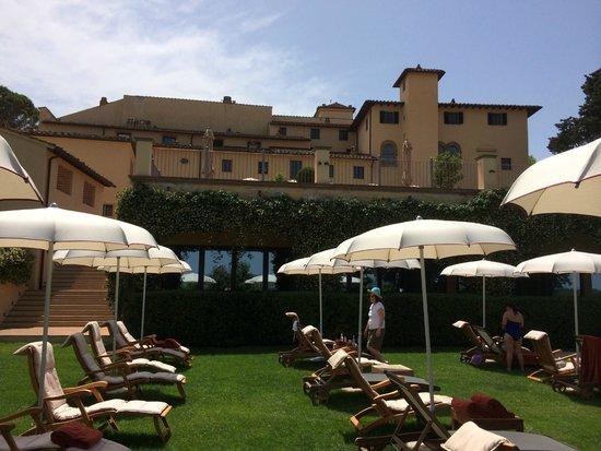 Castello del Nero Boutique Hotel & Spa: view next to the pool