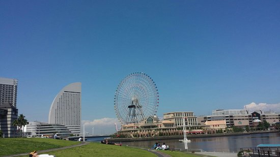 Yokohama Cosmo World : Cosmo World from afar!
