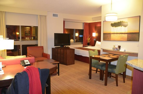 Residence Inn Norfolk Downtown: Huge room - beautifully appointed and well-maintained