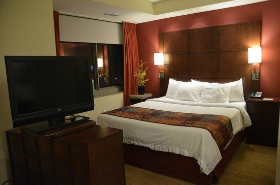Residence Inn Norfolk Downtown : Super comfortable bed