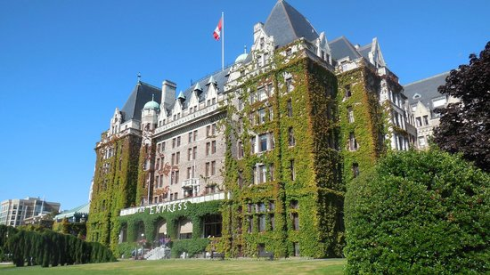 The Fairmont Empress : Ivy-covered