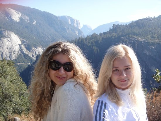 Tunnel View : The Girls