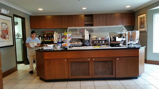 Staybridge Suites near Hamilton Place: Breakfast area