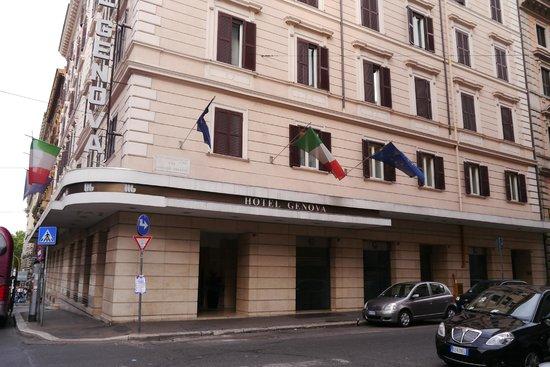 Hotel Genova : ホテルジェノバの外観