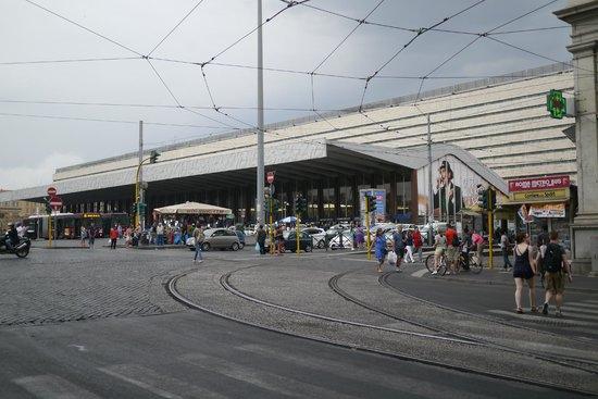 Hotel Genova : 近くのテルミニ駅