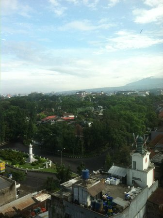 Novotel Bandung : back view of the hotel