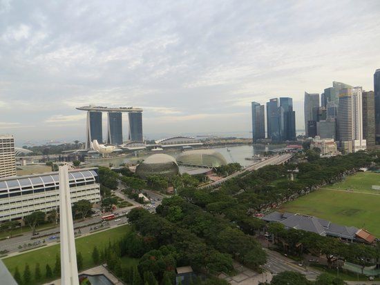 Fairmont Singapore : view from the Exec club Level 23