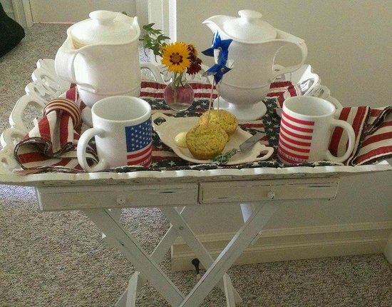 "American Country Bed and Breakfast: ""Good morning"" tray deliverd to room"