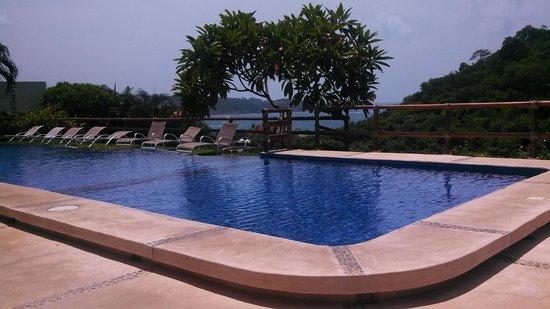 Princess Mayev Hotel : clean swimming pool