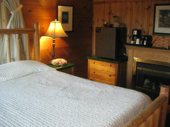 Deer Harbor Inn : lodge room