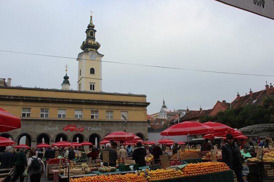Jelacic Square (Trg Bana Josipa Jelacica) : Zagreb, Croatia