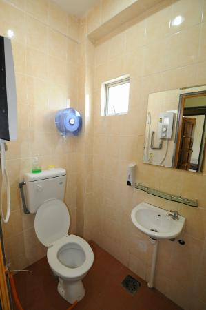 Ajit Guest House & Hotel : Toilet