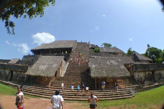 Ek Balam Mayan Ruins : Main structure