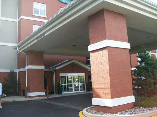 Homewood Suites by Hilton Wilmington - Brandywine Valley: Exterior of Hotel Front Entrance