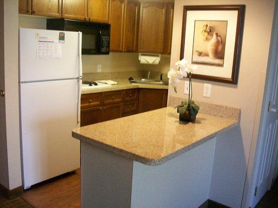 Homewood Suites by Hilton Wilmington - Brandywine Valley: Full Kitchen in Suite