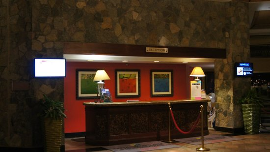 Frenchman's Reef & Morning Star Marriott Beach Resort: The reception desk