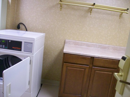 Homewood Suites by Hilton Wilmington - Brandywine Valley : Guest Laundry Room