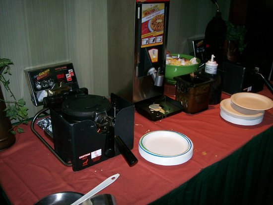 Homewood Suites by Hilton Wilmington - Brandywine Valley : Breakfast Buffet Stations