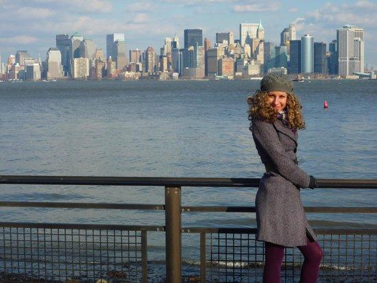Manhattan Skyline: An Alien in New York